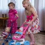 Puppenwagen aus Kunststoff