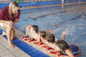Schwimmaufsicht bei Kindern