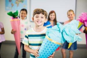Schulanfang Junge Kleidung