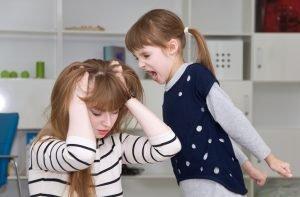 kind aggressiv gegen mutter