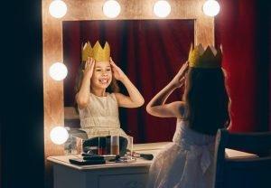 Mädchen mit Krone