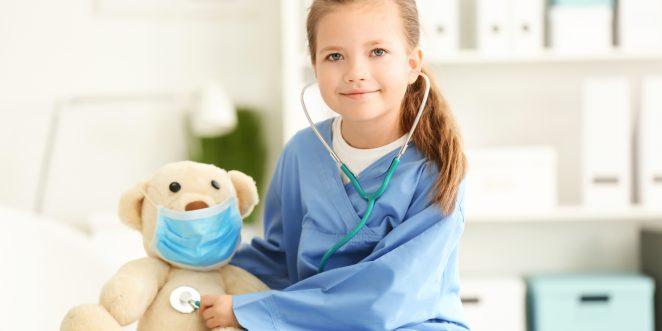 Mädchen als Ärztin