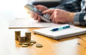 Anhand einer Beispielrechnung lässt sich die Höhe des Mutterschutzgeldes veranschaulichen.