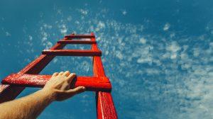 Fortbildung online hilft auf der Karriereleiter