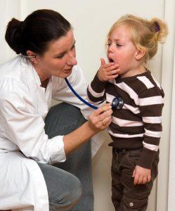 Kind Kinderarzt Husten