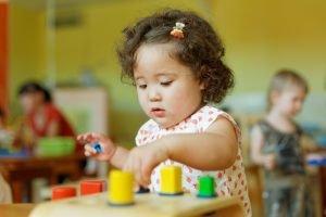 Rolle Erzieher beim Lernen der Kinder
