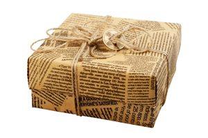 Paket in Zeitungspapier