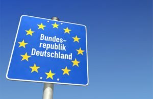 Schild am Grenzübergang