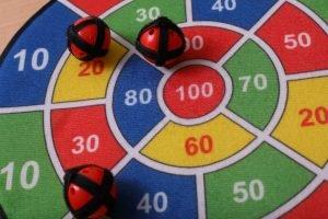 Brettspiele, Geschicklichkeitsspiele und Kartenspiele