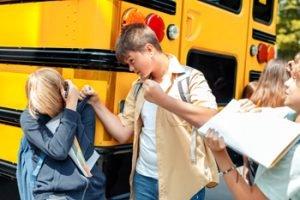 Schüler bedroht anderen Schüler