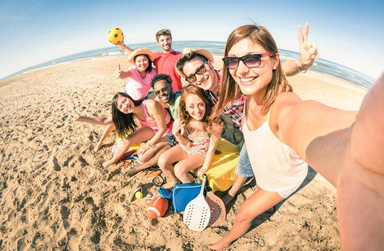 junge Leute am Strand