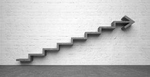 Treppe mit Pfeil nach oben