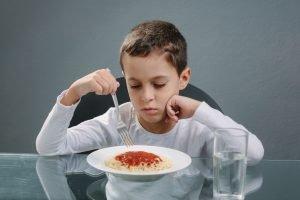 Kind ist ohne appetit.