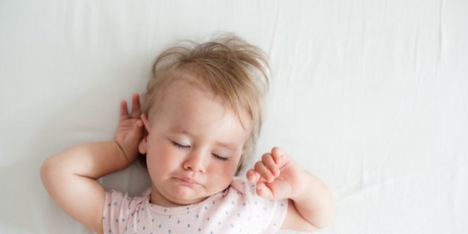 baby schlaeft unruhig