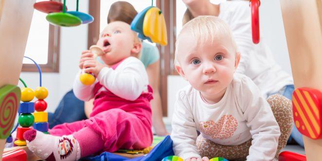 Babys beim Babykurs