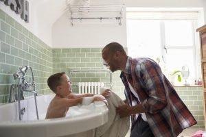 Behandlung der Vorhautverengung mit Creme, Bad, Hausmittel