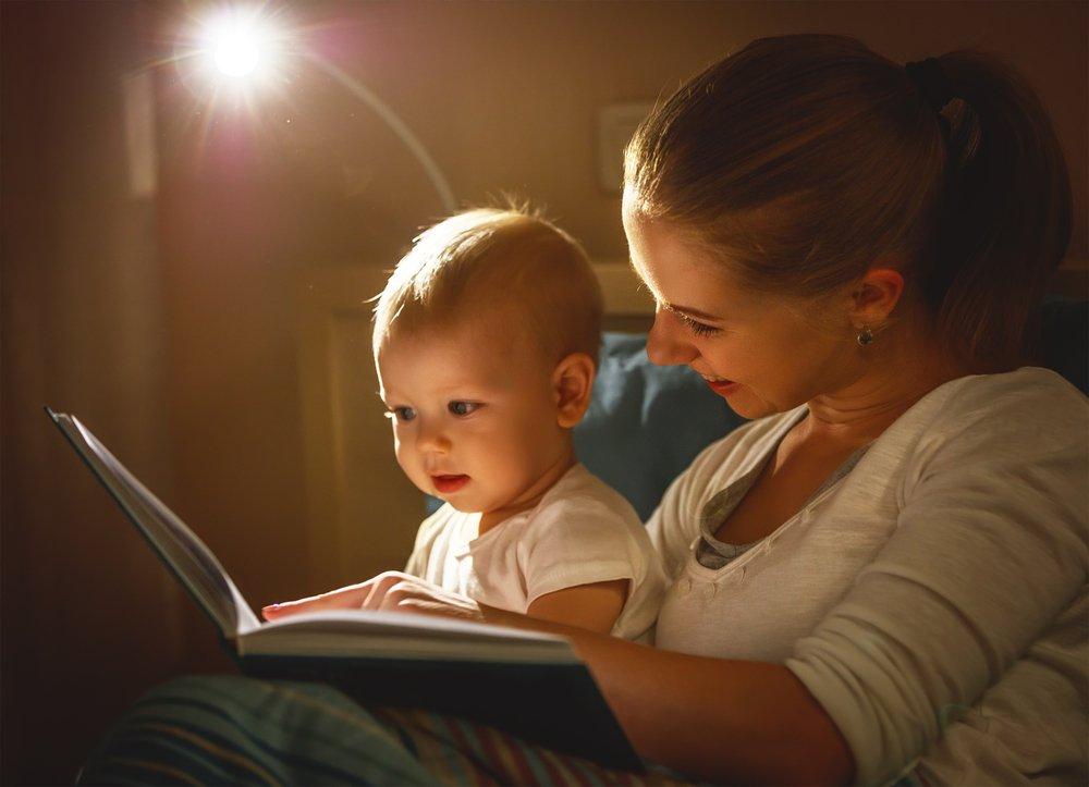 Baby schläft nur auf dem Arm ein: Einschlafhilfen & Tipps
