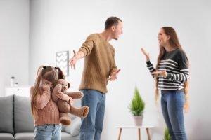 eltern streiten bei scheidung um Kind