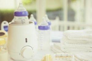 flaschenwaermer mit babyflaschen
