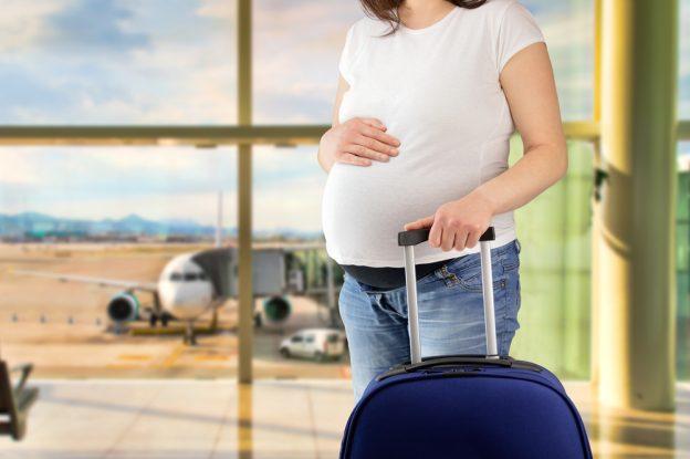 Das müssen Schwangere beim fliegen beachten