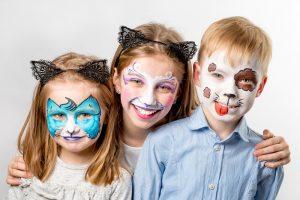 Schminktipps Halloween Kinder.Kinder Schminken Zu Halloween Einfache Und Gruselige Schminkideen