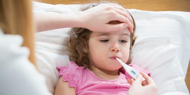 Kind mit Grippe und Fieber