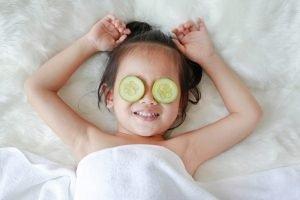 Gurke gegen Augenringe bei Kindern