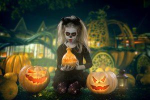 Kind mit einer Halloween-Verkleidung