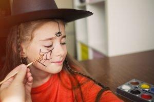Kinder Schminken Zu Halloween Einfache Und Gruselige Schminkideen