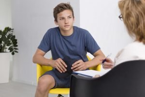 Junge klinefelter syndrom beim Psychologen