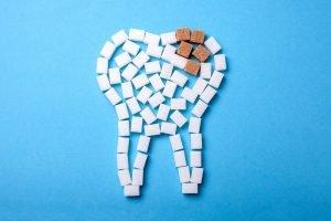 Zucker zerstört Zahnschmelz