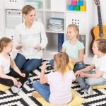 Gruppenspiel zum Kennenlernen im Kreis