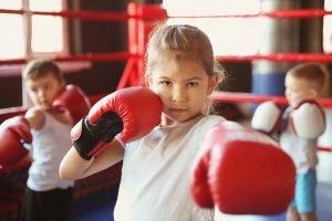 Kleinkinder beim Boxen