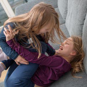 Geschwisterstreit Schwestern Gewalt