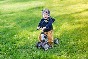 Laufrad für Babys mit vier Rädern