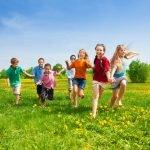 Bewegungsspiel für Vorschulkinder draußen