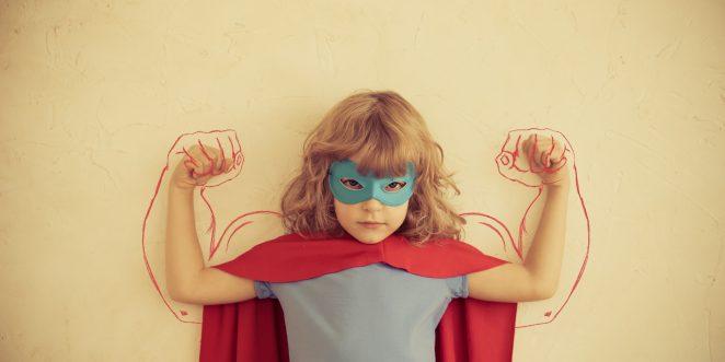 Mädchen als Superheld