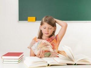 Kind Schule Ausstattung teuer