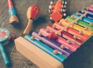 verschiedene Musikinstrumente für Kinder