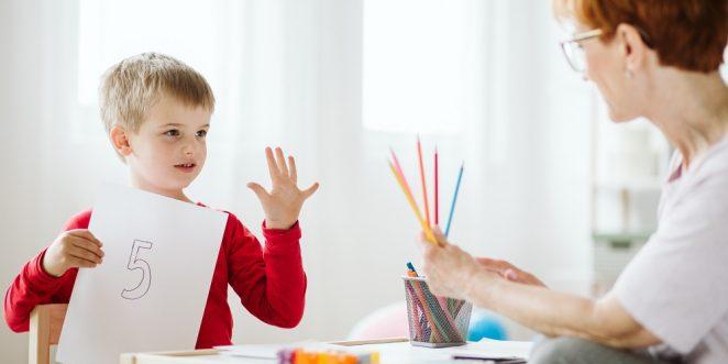 kind beim rechnen lernen