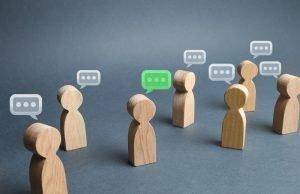 diskussion unter verschiedenen personen
