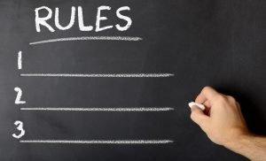 Tafel mit Regeln