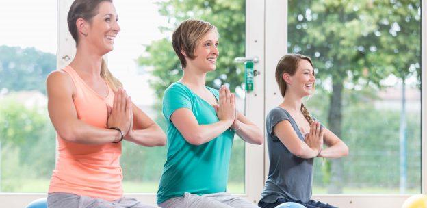 Rückbildungsgymnastik trainiert sie nach der Schwangerschaft