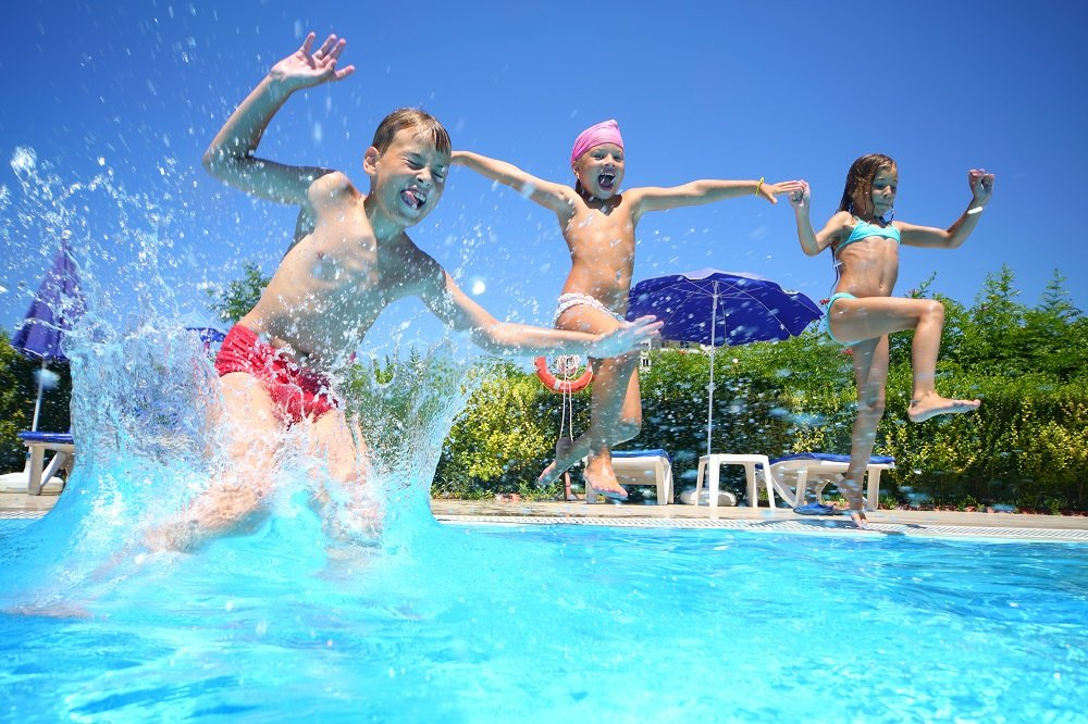 schwimmbad-spiele
