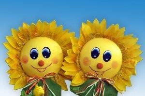 gebastelte Sonnenblumen