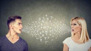 Mann und Frau versuchen zu kommunizieren.