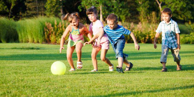 Sportspiele für draußen mit viel Bewegung