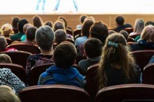 Theater für Kinder Publikum