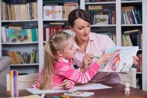 Kind bei einer Psychologin