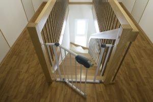 Treppengitter zum Schutz von Kleinkindern